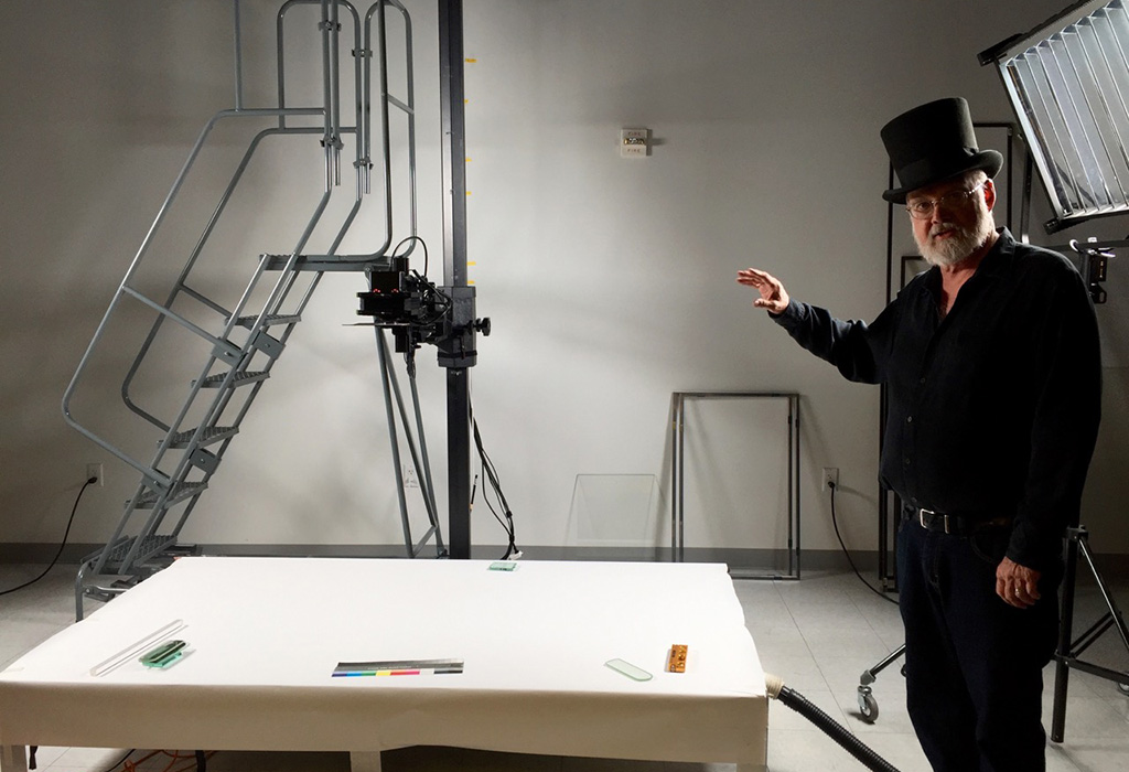 The large scale photography lab space. (Vicke Selk)